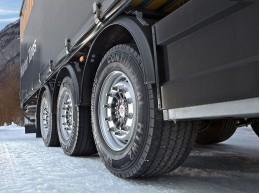 Де купити зимову б / у гуму на вантажівки?